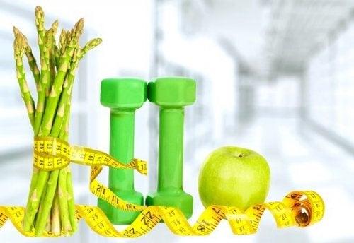 les bienfaits des asperges aident à maigrir.