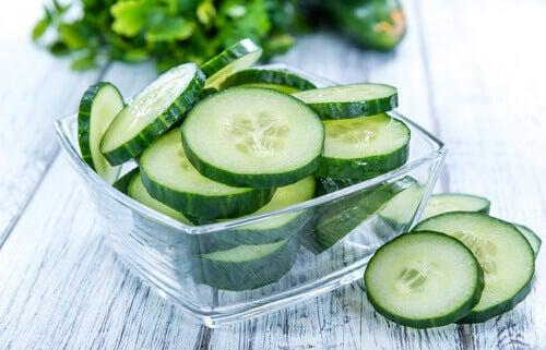 Le jus de concombre réduit les graisses.
