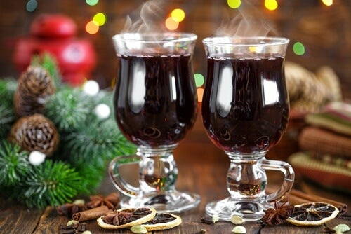 Cocktail de Noël de vin à la cannelle
