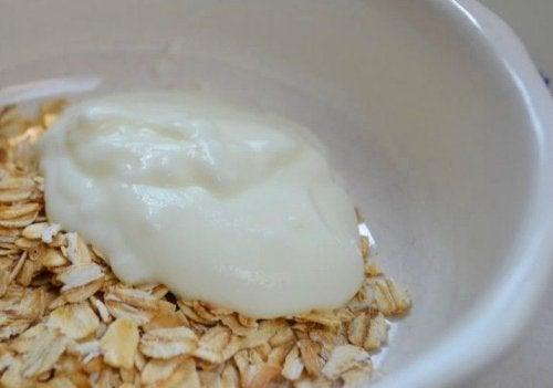 L'avoine et le yaourt contre la constipation aiguë