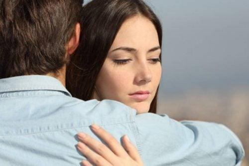 Restez-vous avec votre partenaire par chagrin, par culpabilité ou par peur ?