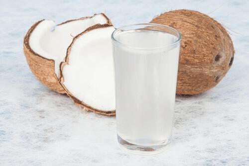 L'eau de coco réduit le stress et les changements d'humeur