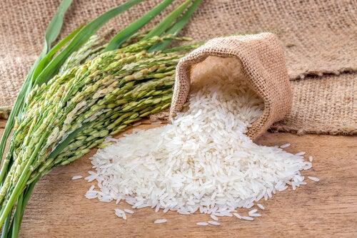 riz, lait et miel pour exfolier la peau