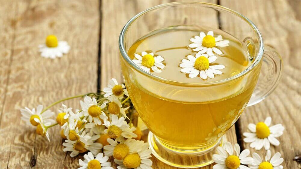 infusion de fleurs de camomille pour se débarrasser des gaz intestinaux
