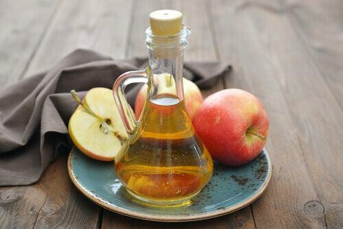 vinaigre de pomme et miel contre le mal de gorge
