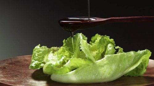 L'huile d'olive et la laitue contre les limaces