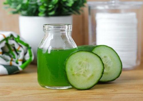 Le jus de concombre améliore l'état de la peau.