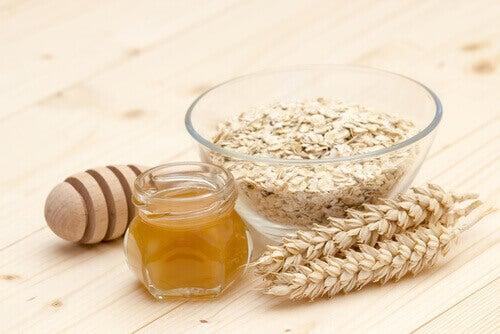 masques pour la peau : avoine et miel