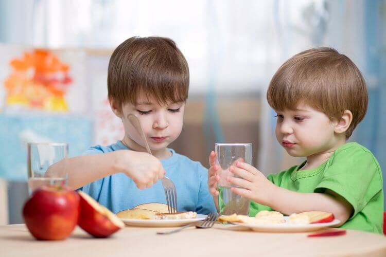 5 petits déjeuners appropriés pour les enfants