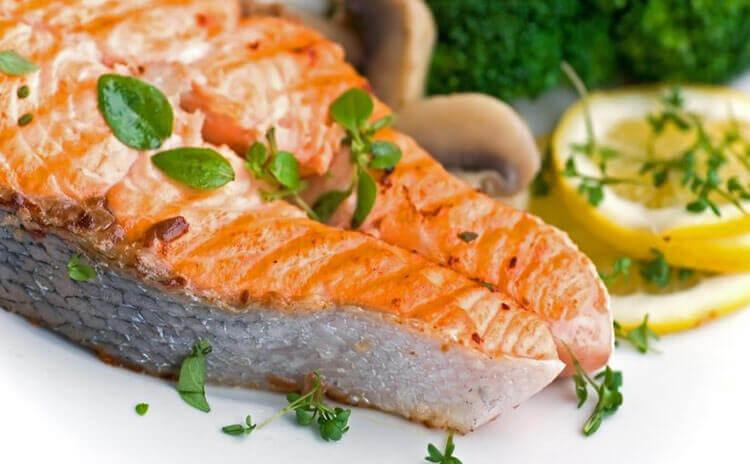 Le saumon pour avoir un cœur en bonne santé.