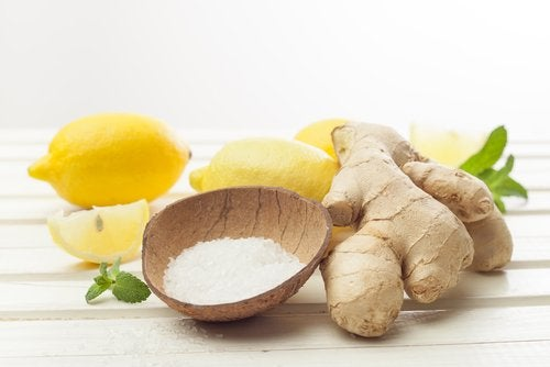 Sel et gingembre contrenles gencives inflammées.