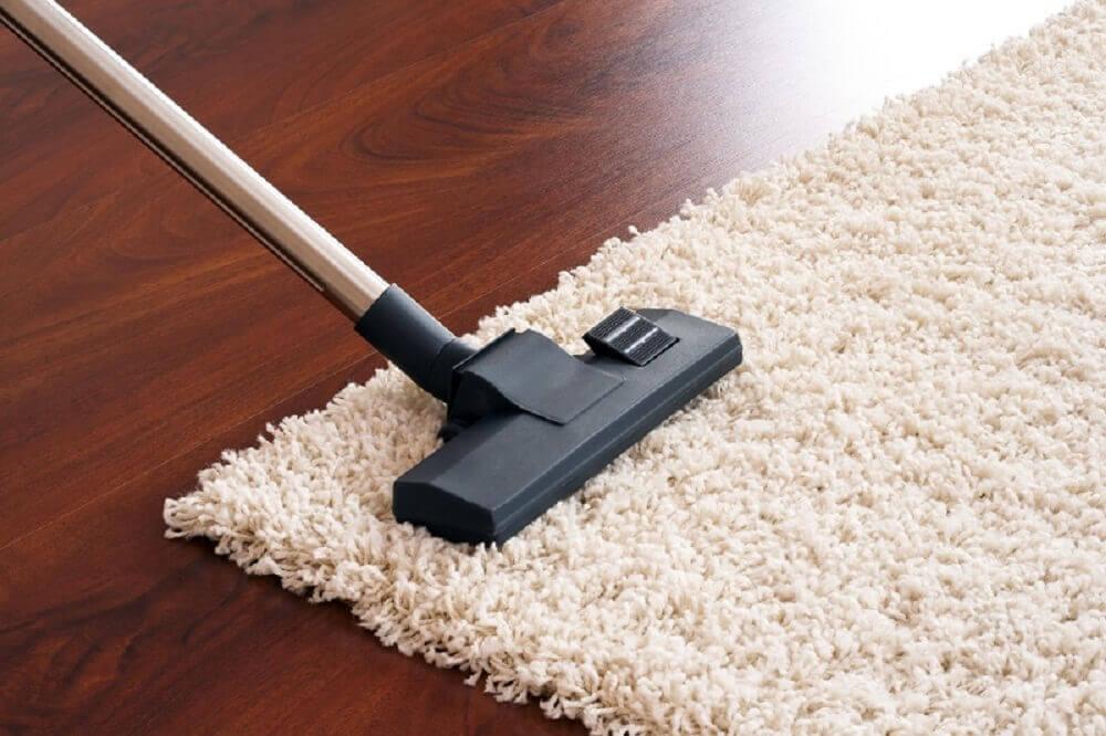 astuces de ménage pour nettoyer les tapis