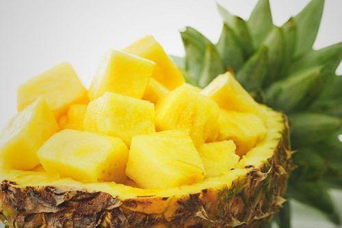 L'ananas pour traiter les infections urinaires chez les enfants.