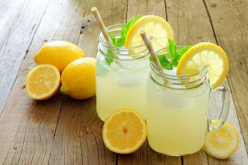 8 bienfaits qu'il y a à boire de la limonade régulièrement