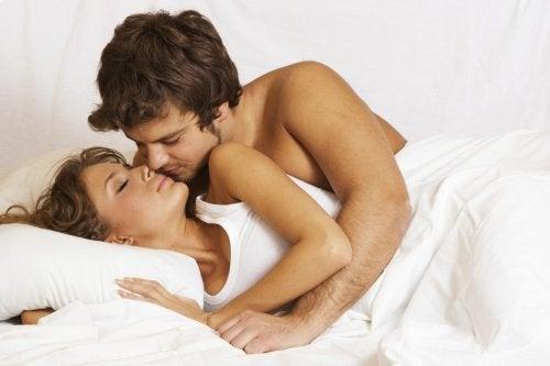 la cuillère, une des positions sexuelles les plus excitantes