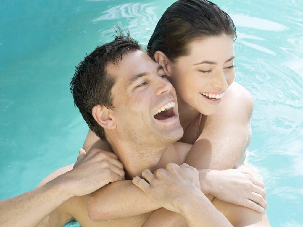 faire l'amour dans la piscine