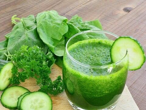 les smoothies verts pour traiter l'hypothyroïdie