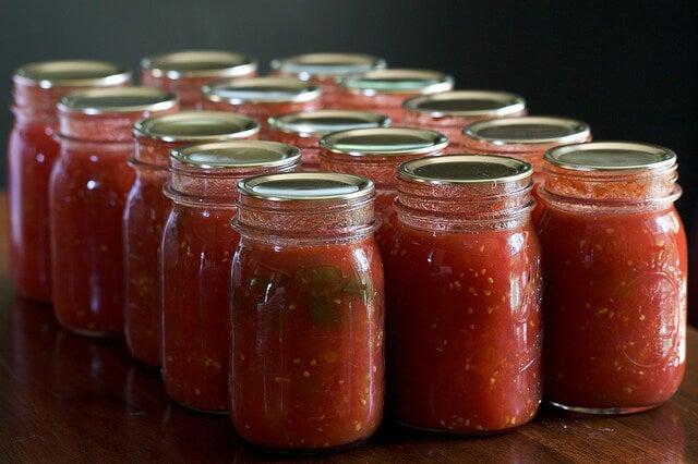 pots de sauce tomate maison