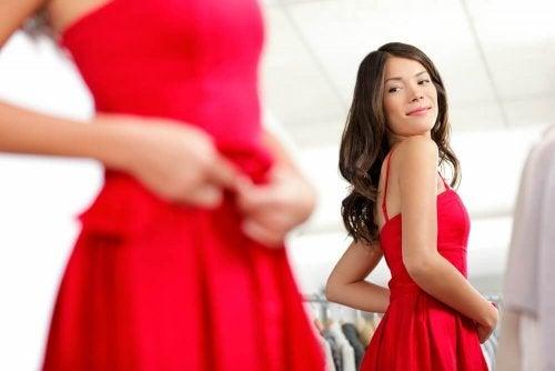 9 conseils pour distinguer un vêtement de qualité d'une contrefaçon