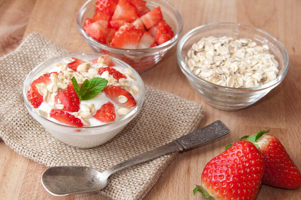 Ajoutez des fraises à la crème pour un meilleur goût.