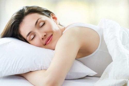 bien dormir pour augmenter le volume des cheveux