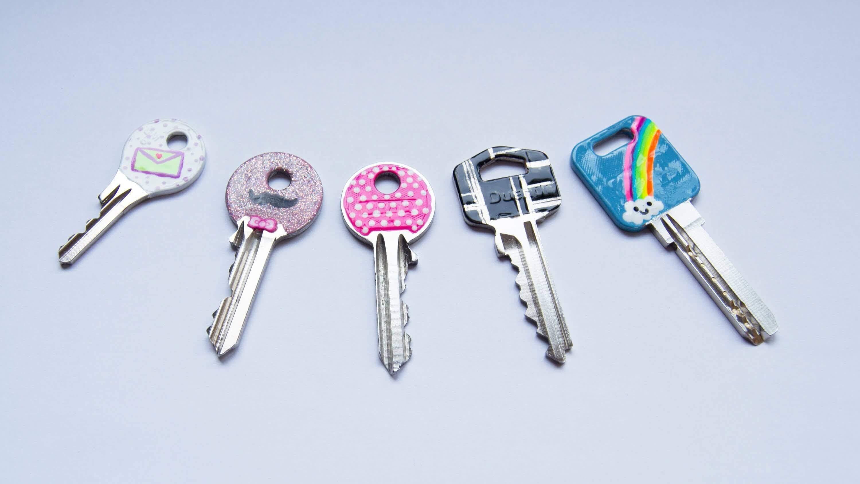 grâce au vernis à ongles, vous pouvez différencier vos clés