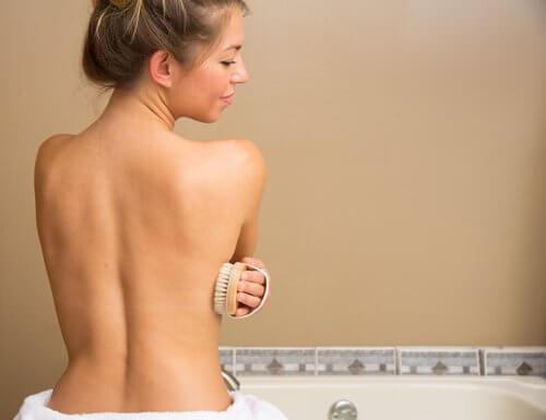 femme prenant son bain