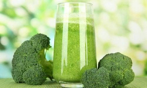 jus de céleri, de brocoli et de chou-fleur pour combattre le stress naturellement