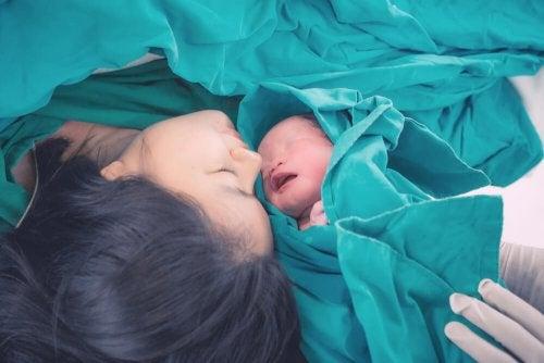 Bébé qui vient de naître