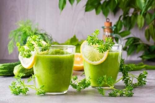 Comment préparer un smoothie au céleri et à l'ananas pour perdre du poids