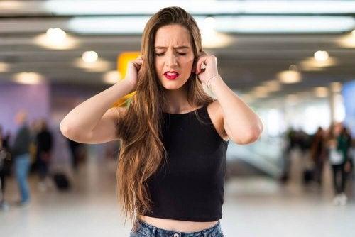 Que signifient les bourdonnements dans les oreilles ?