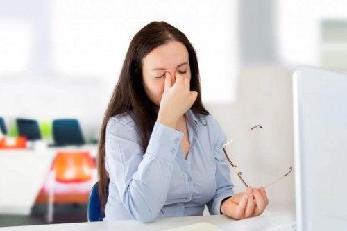Vision floue et symptômes du diabète.