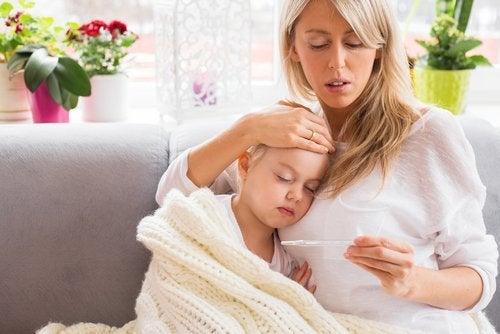 Enfant qui a de la fièvre