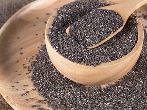 Les graines aux bienfaits pour la santé, les graines de chia.