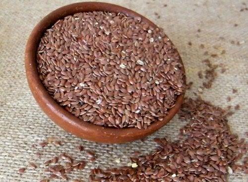 Les graines aux bienfaits pour la santé, les graines de lin.