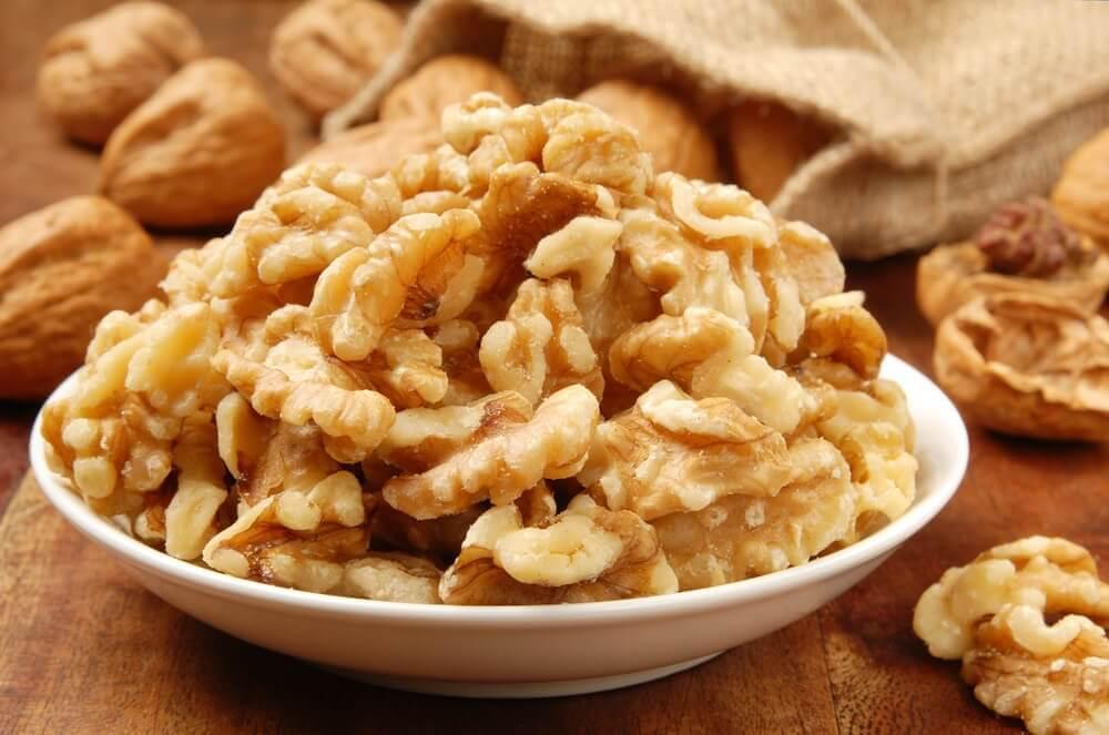 La consommation de noix au quotidien.
