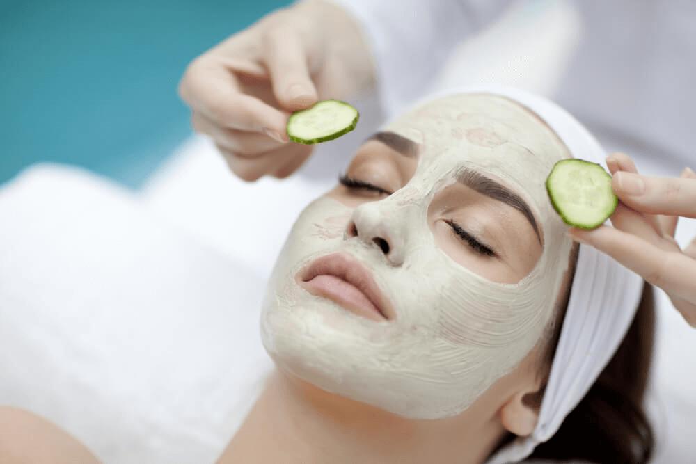 Jus de concombre pour refermer les pores ouverts
