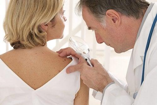connaître notre peau pour prévenir les cancers