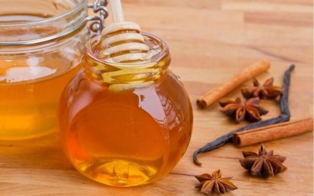 miel pour réduire la consommation de sucre.