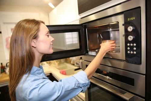 avantages de cuisiner au micro-ondes