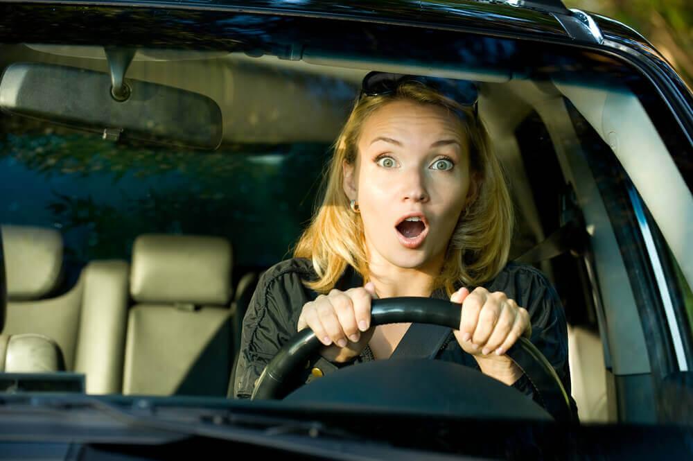 femme stressée au volant