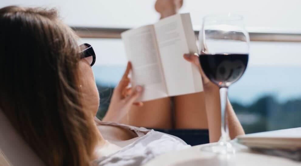 Boire du vin rouge protège la santé mentale.
