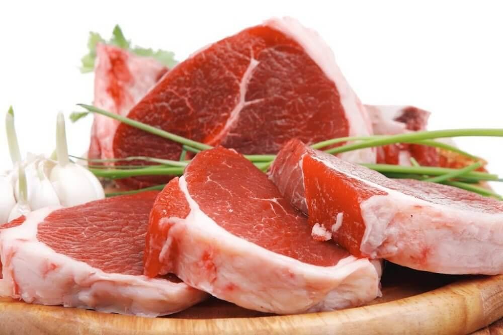 La viande rouge avant d'aller au lit.