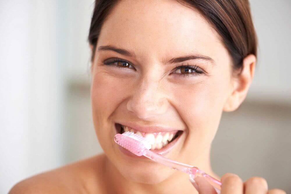 laver plus souvent la brosse à dents