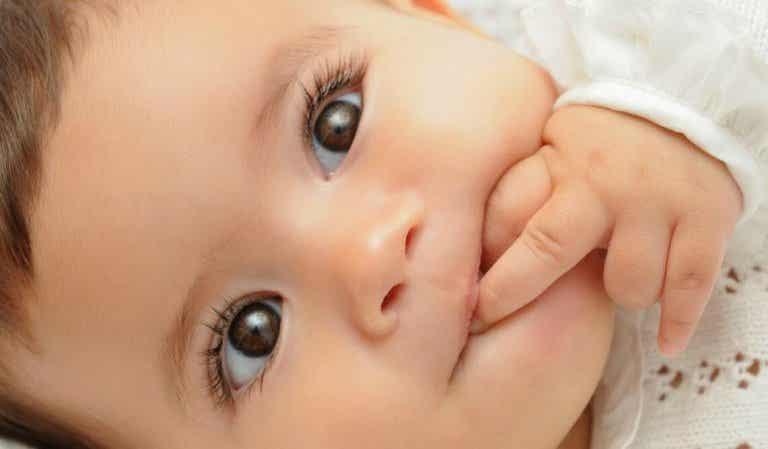Comment faire rire un bébé ?