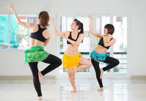 exercices pour avoir une taille de guêpe : Danse du ventre