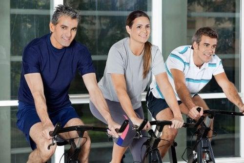 Des exercices idéaux pour les adultes de plus de 40 ans