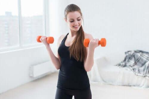 Exercices pour l'éliminer la graisse sous les aisselles