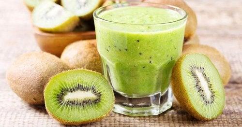 jus de kiwi et d'épinards pour perdre du poids