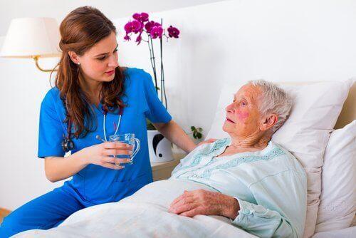 patiente touchée par la maladie d'alzheimer
